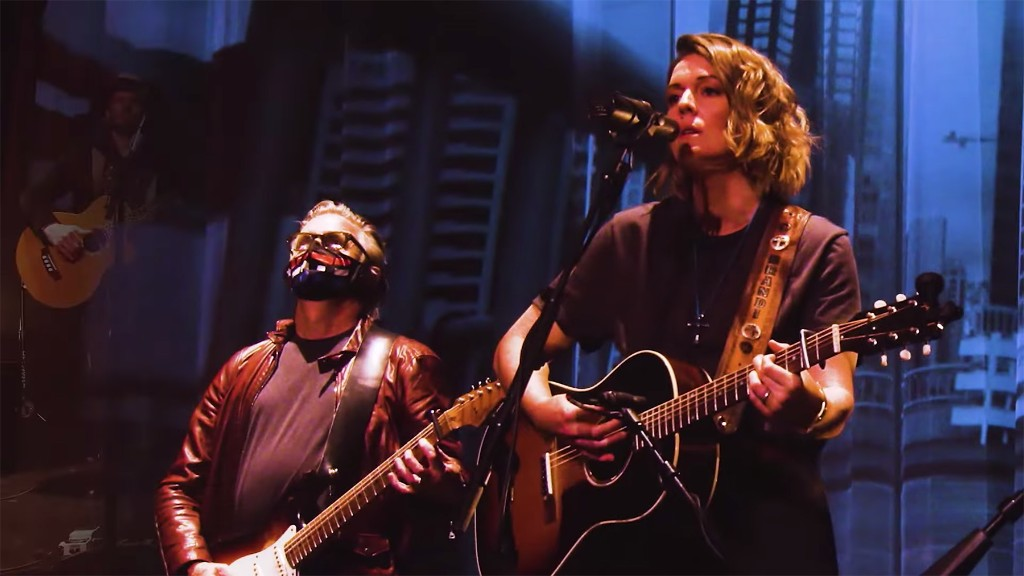 """Brandi Carlile, Pearl Jam's Mike McCready Tease Cover of Bob Dylan's 'The Times They Are a-Changin"""""""