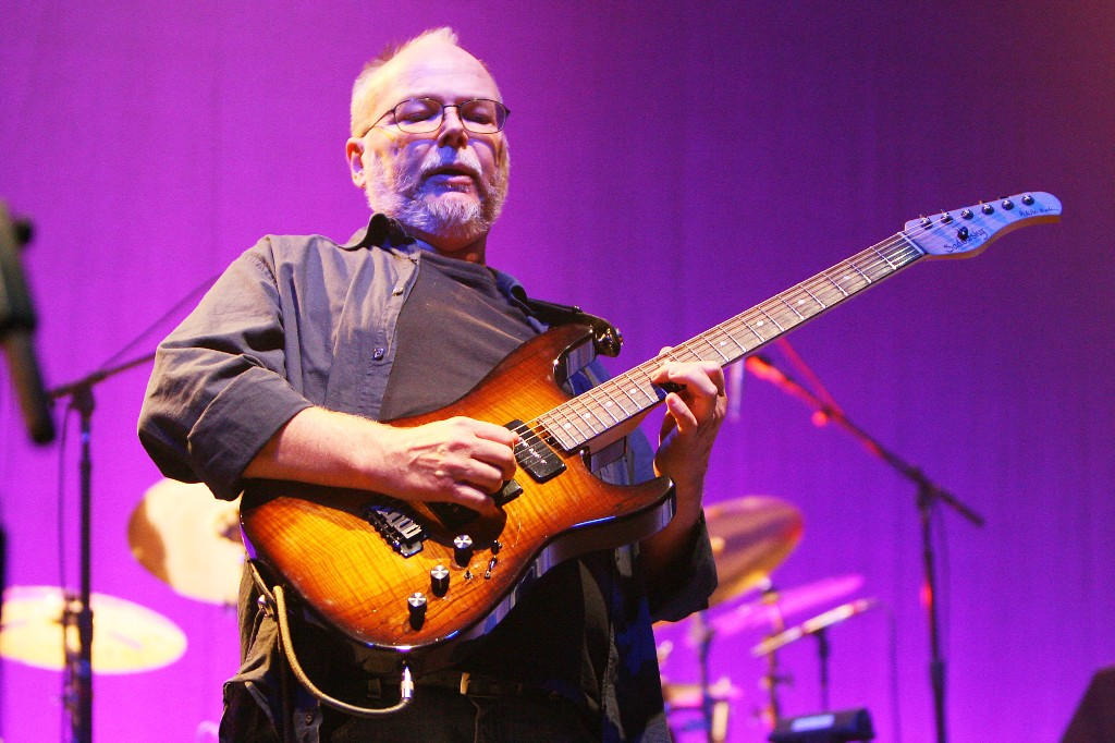 Steely Dan Fans Detail Walter Becker Street Naming Ceremony