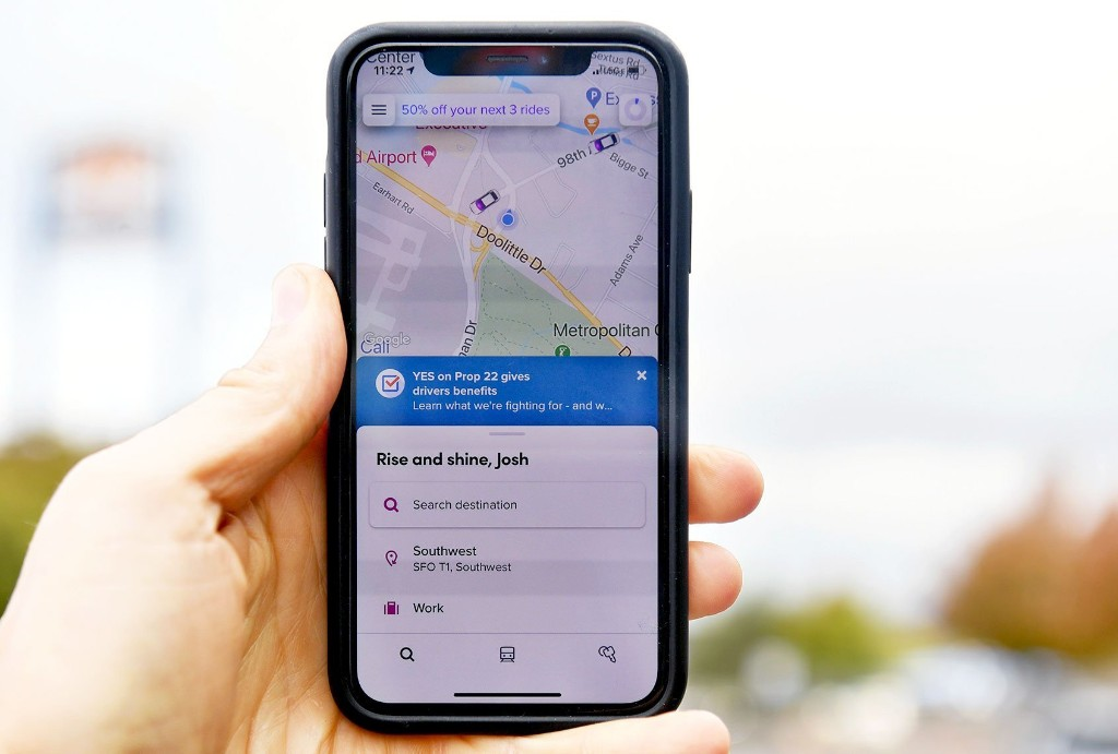 Uber drivers sue Uber, claiming app is coercing them into voting yes on anti-labor proposition