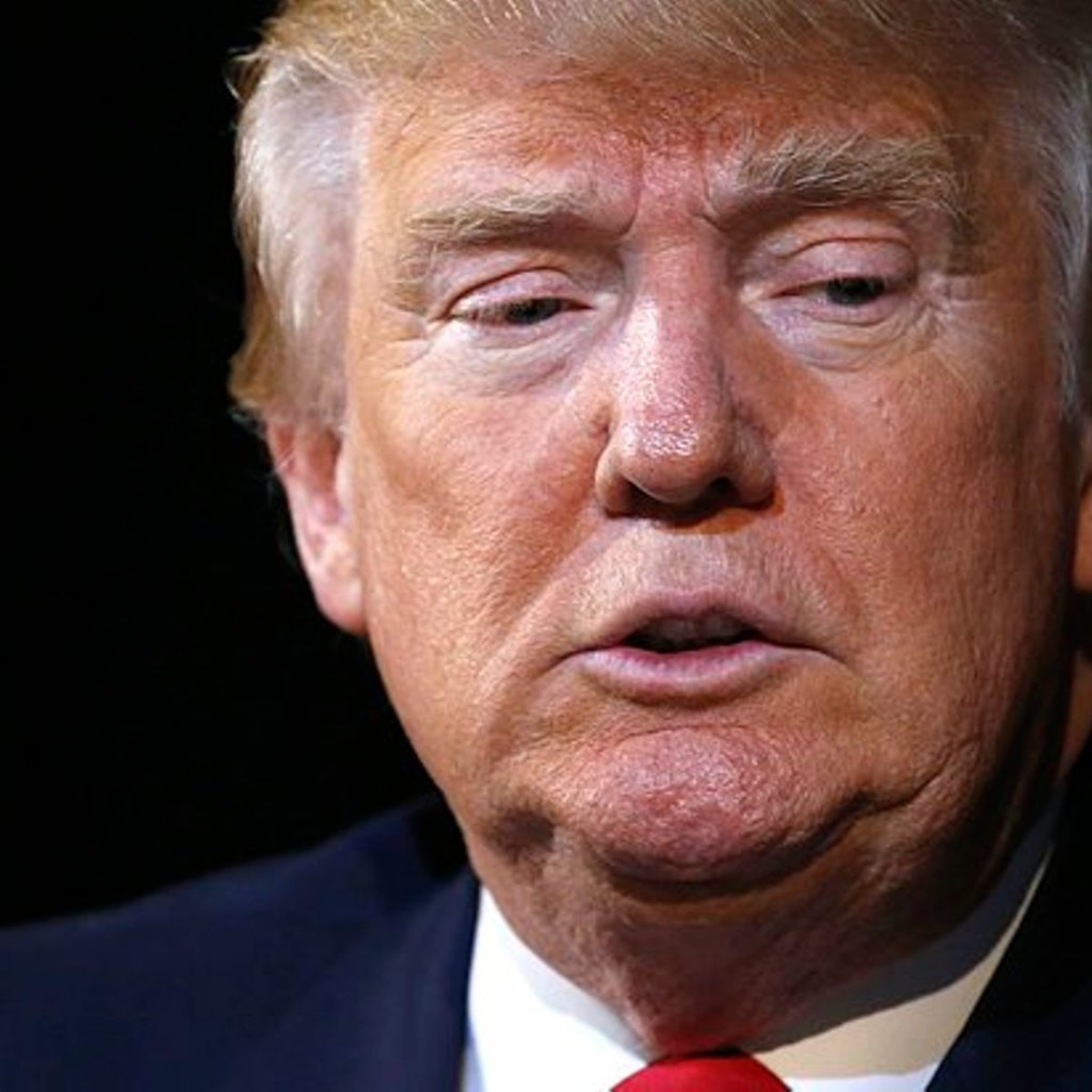 """""""The system is rigged"""": Donald Trump, right-wingers on Twitter implode after FBI's decison on Hillary Clinton's email scandal"""