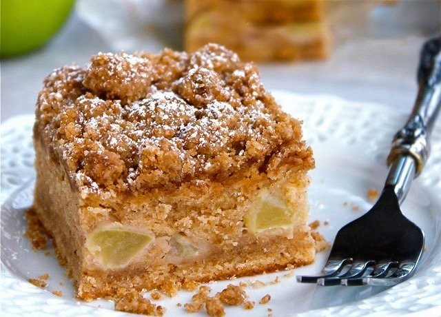 This nostalgic apple crumb cake is the ultimate no-fuss dessert to bake at home