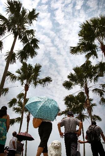 Fact or fiction: Warmer weather slows down the coronavirus