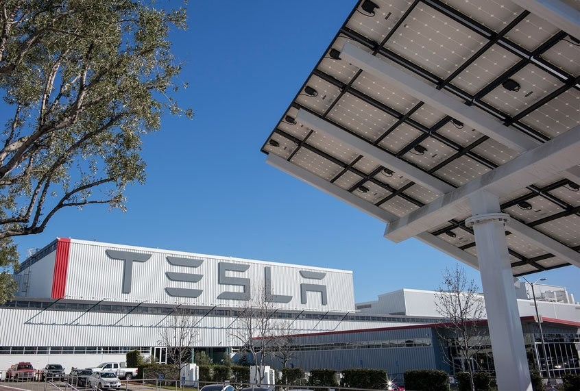 "Tesla secretly swapped out faulty solar panels, and there were fires ""in many cases"": report"