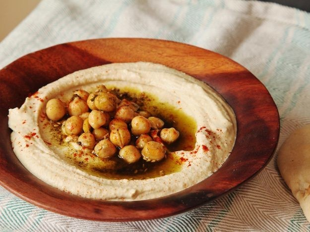 Israeli-Style Extra-Smooth Hummus Recipe
