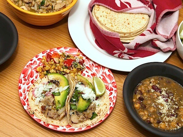 How to Make Juicy Chicken Green Chile Tacos
