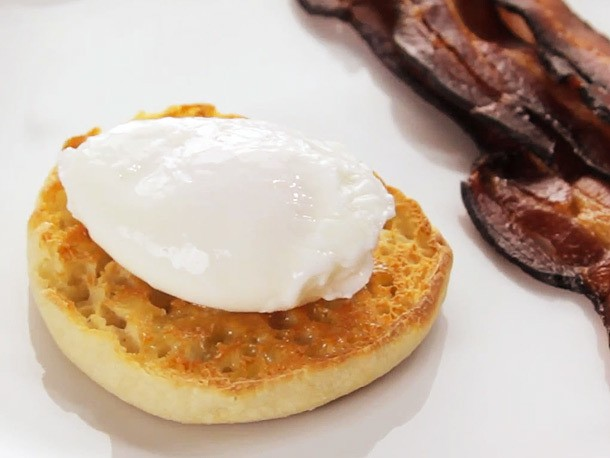 Foolproof Poached Eggs Recipe