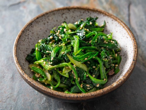 Korean Marinated Spinach Banchan (Sigeumchi Namul) Recipe