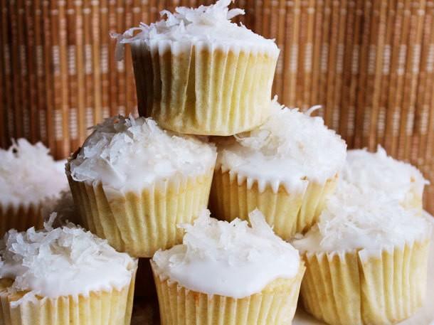 Easy Coconut Cupcakes Recipe