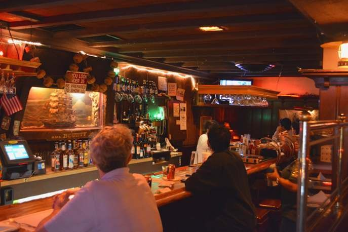 8 Great Dive Bars in Los Angeles