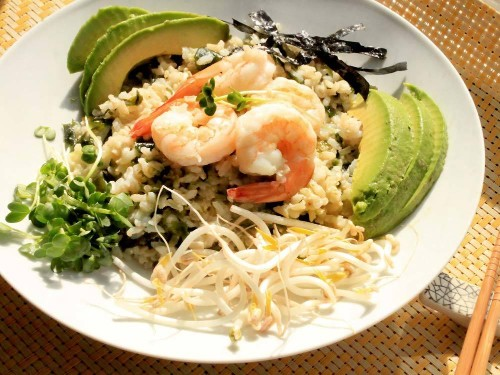 Brown Rice Bowl With Wakame, Shrimp, and Sprouts Recipe