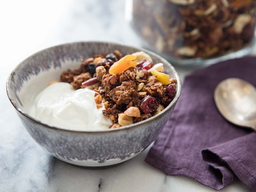 Turn Overripe Bananas Into Tender Yet Crunchy Granola