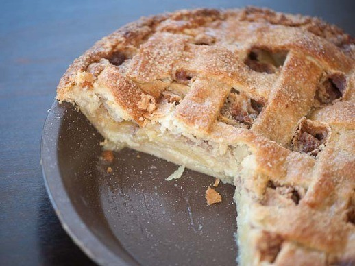 Thanksgiving Pie Countdown: Apple Crème Fraîche Pie