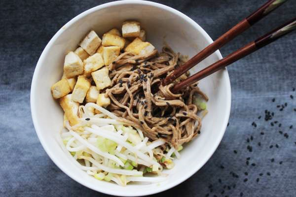 Lunch Box: Make-Ahead Peanut Soba Noodles with Tofu and Pickled Bean Sprouts