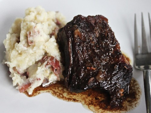 Balsamic-Brown Sugar Short Ribs With Garlic Mashed Potatoes Recipe