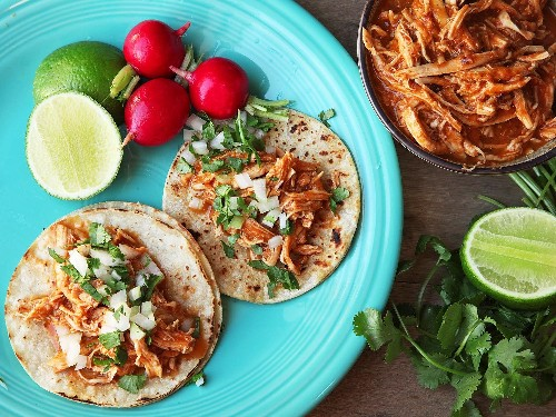Smoky and Spicy Chicken Tinga Is the Ultimate One-Pot Taco Filling
