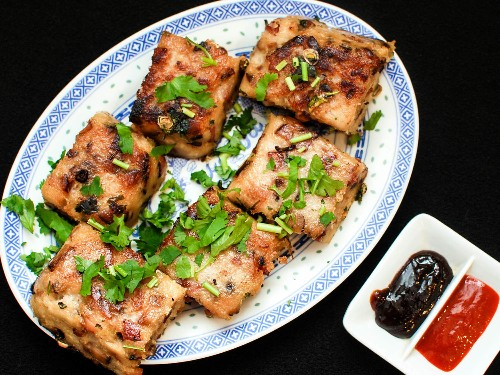 How to Make Savory Chinese Turnip Cakes (Law Bok Gow)