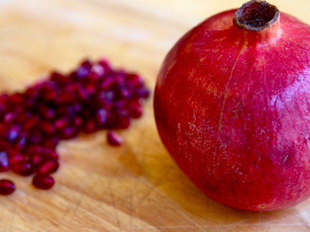 5 Great Pomegranate Drinks to Make at Home