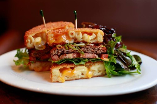 Get Burgers with Fried Mac and Cheese Buns in Chicago Until Sunday