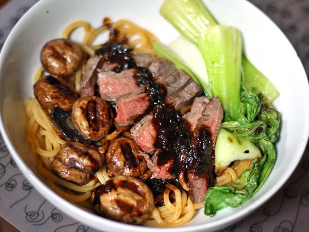 Dinner Tonight: Noodles with Flank Steak, Bok Choy, and Black Bean Sauce