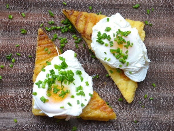 Sunday Brunch: Poached Eggs on Grilled Polenta Cakes