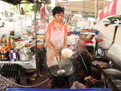 For the Best Food in Bangkok, Hit the Streets
