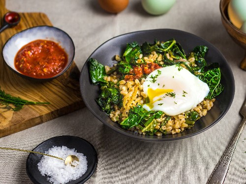 Make a Better Breakfast With Farro, Kale, and Eggs