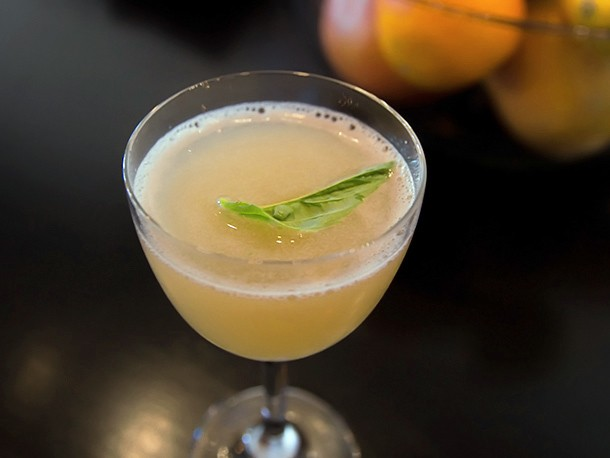 Favorite Brunch Drinks: How to Make Beretta's Pamplemousse