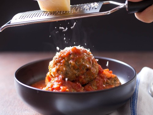 Juicy and Tender Italian-American Meatballs in Red Sauce Recipe