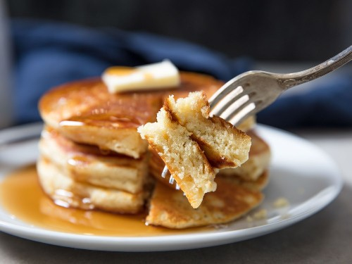 Thick and Fluffy Pancakes From Homemade Pancake Mix Recipe