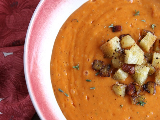 Creamy Roasted Red Pepper and Cauliflower Soup Recipe