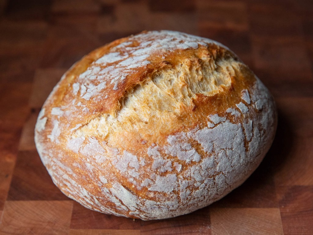 Watch Kenji Make No-Knead Bread With Beer