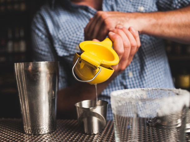 How to Crush the Rush: Tips for Bartenders