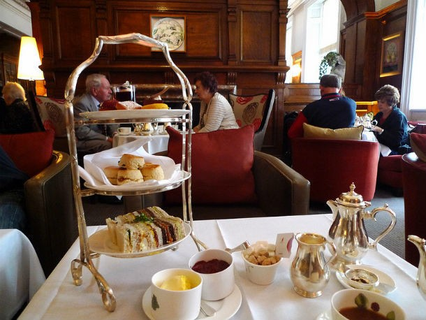 A Short Introduction to Afternoon Tea in London