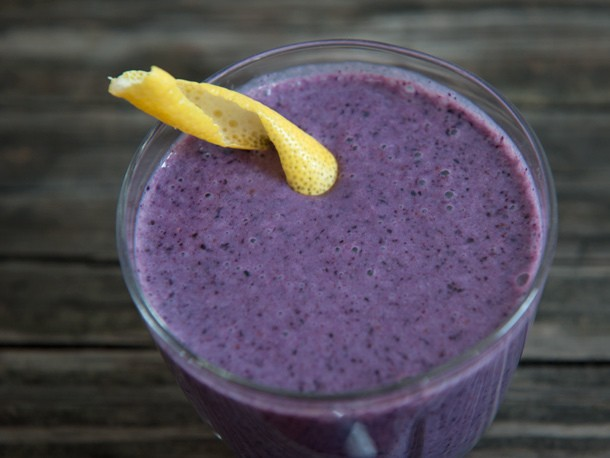 From the Blender: The Maine Squeeze (Blueberry, Oat, and Ginger Smoothie)