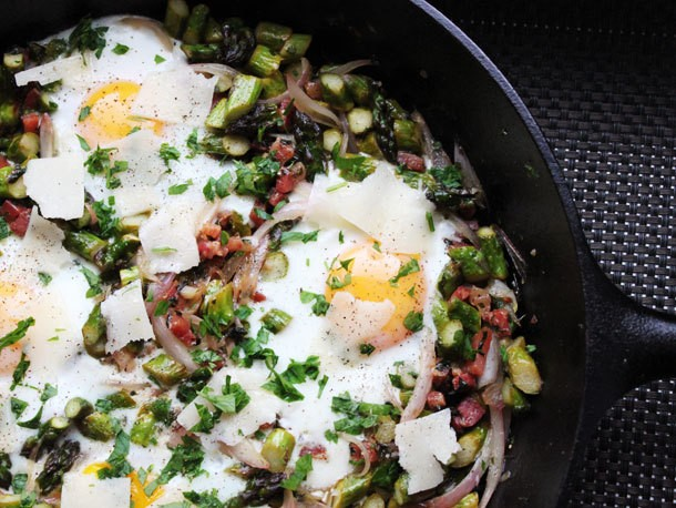 Skillet Suppers: Eggs with Asparagus, Pancetta, and Parmesan
