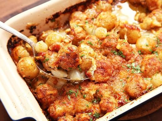 Cheesy Onion, Bacon, and New Potato Gratin Recipe
