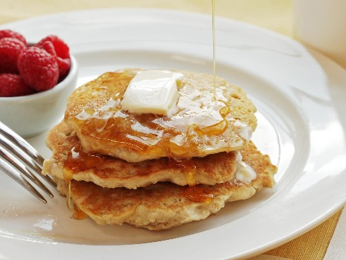 Fluffy Vegan Oatmeal Pancakes Recipe (With Aquafaba)