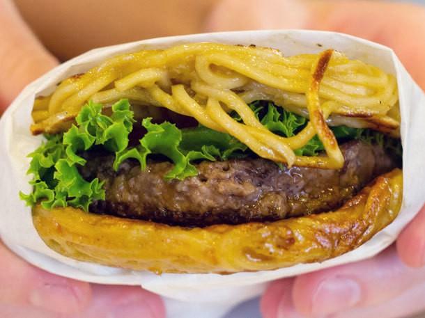 Ramen Burgers at RakiRaki in San Diego