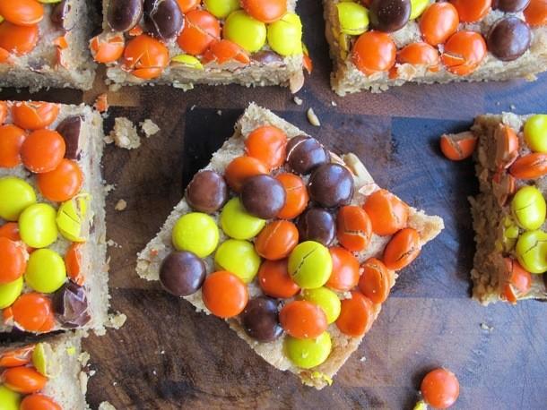 Peanut Butter Reese's Pieces Blondies Recipe