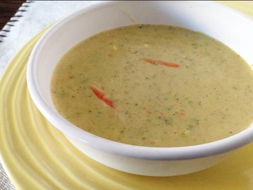 Gluten-Free Cheesy Broccoli Soup Recipe