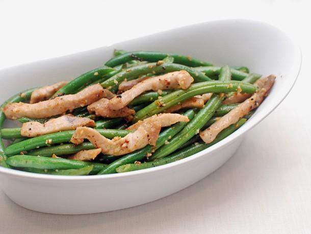 Easy Stir-Fried Pork With String Beans Recipe