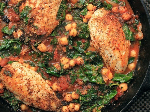 One-Pot Wonders: Chicken in Tomato Sauce With Chickpeas and Kale