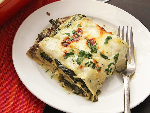 The Food Lab Lite: Ultra-Creamy Spinach and Mushroom Lasagna