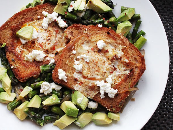 Skillet Egg-in-a-Hole with Avocado, Asparagus, and Feta Recipe