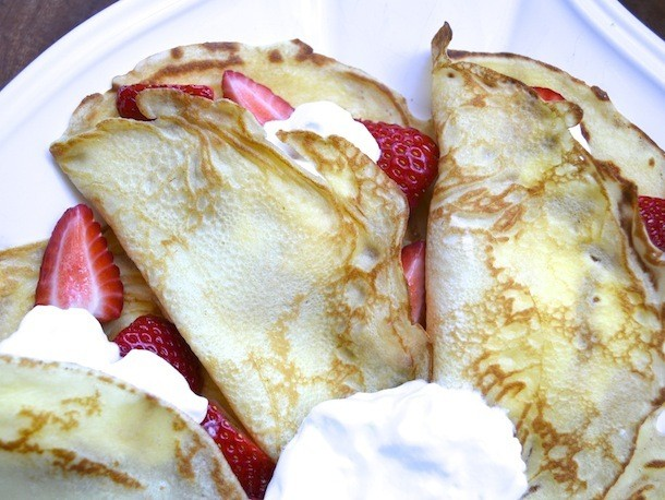 Sunday Brunch: Crepes with Strawberries and Cream