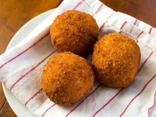 Rich and Creamy Saffron Arancini With Mozzarella Recipe