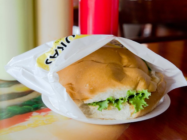 A Sandwich a Day: A Happy 'Banana Burger' Misdirect at Altas Horas, Newark, NJ