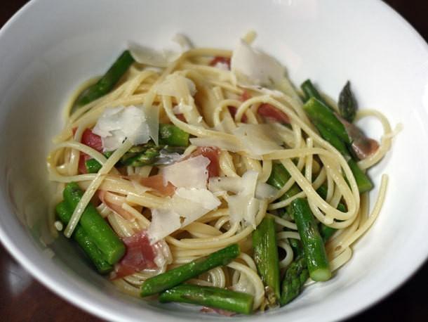 Linguini with Asparagus, Prosciutto, and Capers Recipe