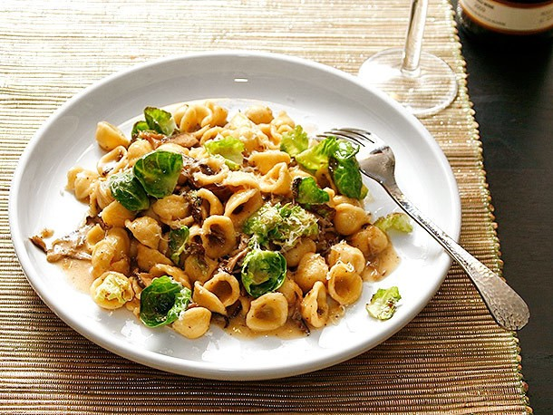 Quick and Easy Pasta With Mushrooms and Brussels Sprouts