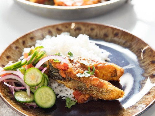 Bengali-Style Fried Fish in Onion and Tomato Curry (Fish Bhuna) Recipe